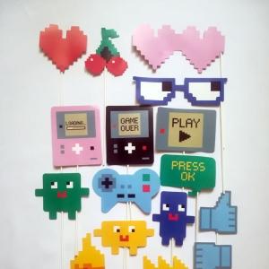 Pixeles 16 darabos Pálcikás kiegészítő - Többféle